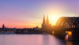 Köln in der Dämerung