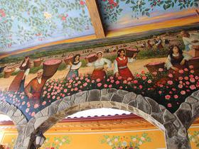 kunstvolle Wandbemalung in Bulgarien